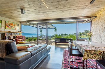 LUXURIOUS PASSIVE HOUSE WITH PANORAMIC SEA VIEW!