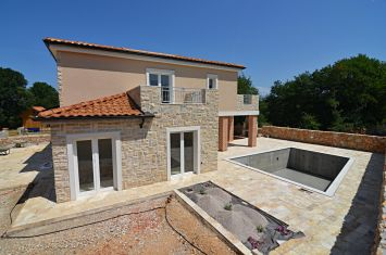 NEW STONE VILLA WITH POOL IN QUIET LOCATION!