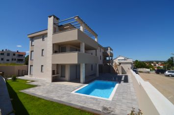 EXCLUSIVE APARTMENT WITH SEA VIEW, 200 M FROM THE BEACH!