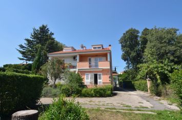 SEMI-DETACHED HOUSE WITH SEA VIEW, 250 M FROM THE BEACH!
