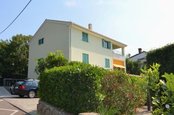 APARTMENT IN ATTRACTIVE LOCATION, 100 M FROM THE BEACH!