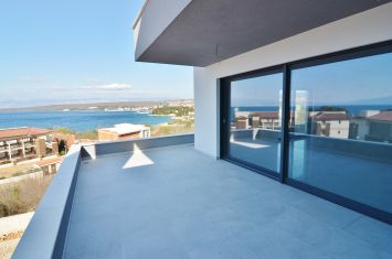 EXCLUSIVE APARTMENT WITH PANORAMIC SEA VIEW, 100 M FROM THE BEACH!