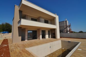 BRAND NEW EXCLUSIVE VILLA WITH POOL AND PANORAMIC SEA VIEW!