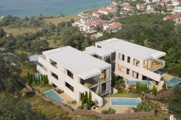 EXCLUSIVE PENTHOUSE WITH POOL AND PANORAMIC SEA VIEW, 150 M FROM TEH BEACH!