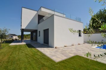 NEW VILLA WITH POOL AND PANORAMIC SEA VIEW!