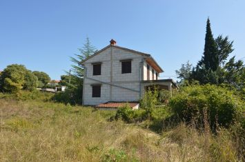 DETACHED HOUSE WITH TWO APARTMENTS AND SEA VIEW, IN ATTRACTIVE LOCATION!