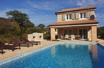 NEW STONE VILLA WITH POOL, IN QUIET LOCATION!