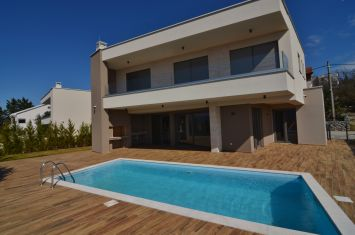BRAND NEW EXCLUSIVE VILLA WITH POOL AND SEA VIEW!