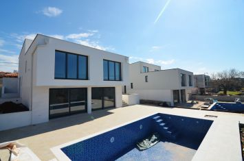 EXCLUSIVE VILLA WITH POOL AND PANORAMIC SEA VIEW, IN QUIET LOCATION!