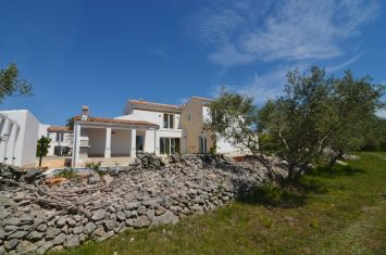 EXCLUSIVE MEDITERRANEAN VILLA WITH POOL AND SEA VIEW, IN QUIET LOCATION!