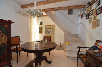 REFURBISHED STONE HOUSE IN ATTRACTIVE LOCATION, IN THE HEART OF OLD TOWN!!