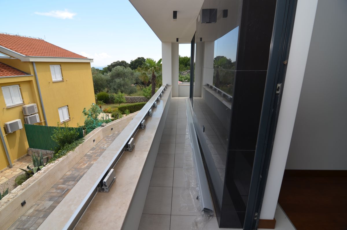Apartments - City of Krk - EXCLUSIVE APARTMENT WITH POOL AND SEA VIEW, 400 M FROM THE BEACH!