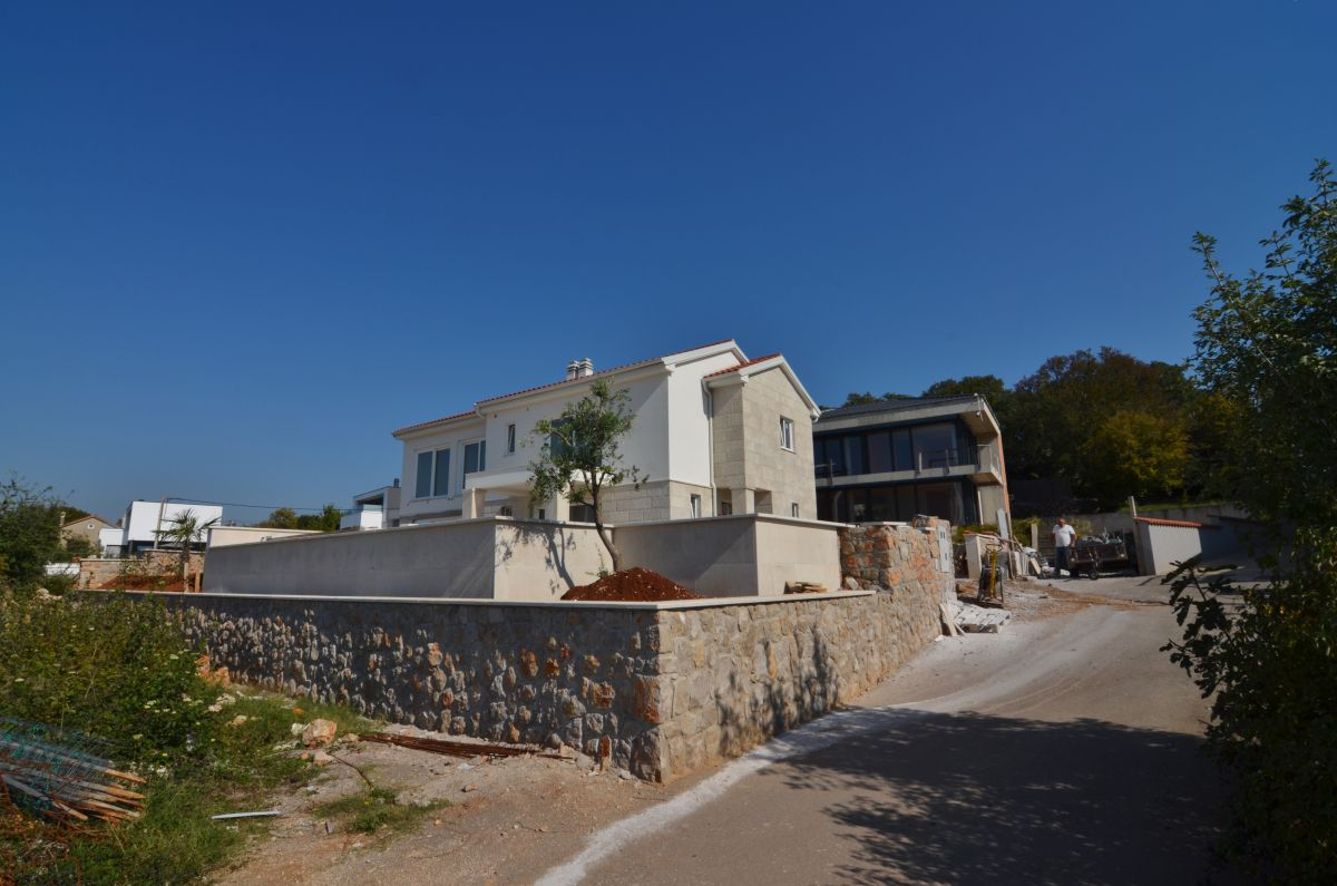 Maisons - Malinska - MODERN SEMI-DETACHED HOUSE WITH POOL AND SEA VIEW, IN QUIET LOCATION!