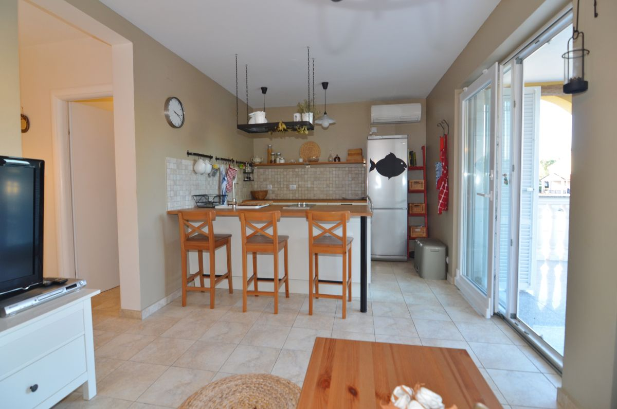 Apartmánok - Malinska - FURNISHED APARTMENT WITH GARDEN, 150 M FROM THE BEACH!