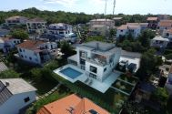 Házak - Njivice - NEW URBAN VILLA WITH POOL AND PANORAMIC SEA VIEW!