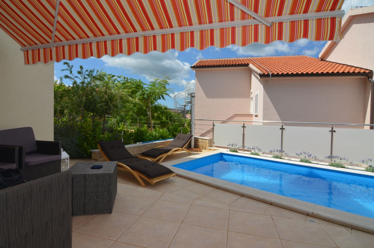 Appartements - Uvala Soline - FURNISHED APARTMENT WITH GARDEN AND POOL, 150 M FROM THE BEACH!