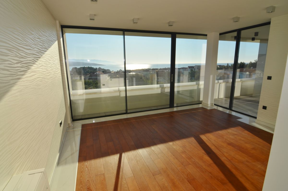 Appartements - Ville de Krk - EXCLUSIVE APARTMENT WITH SEA VIEW, 400 M FROM THE BEACH!